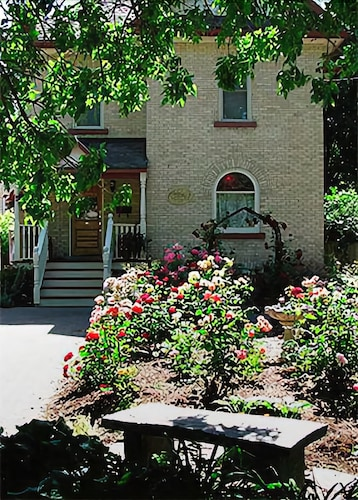 Arbour Garden Bed & Breakfast