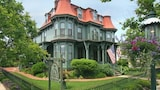 The Queen Victoria B&B - Cape May Hotels