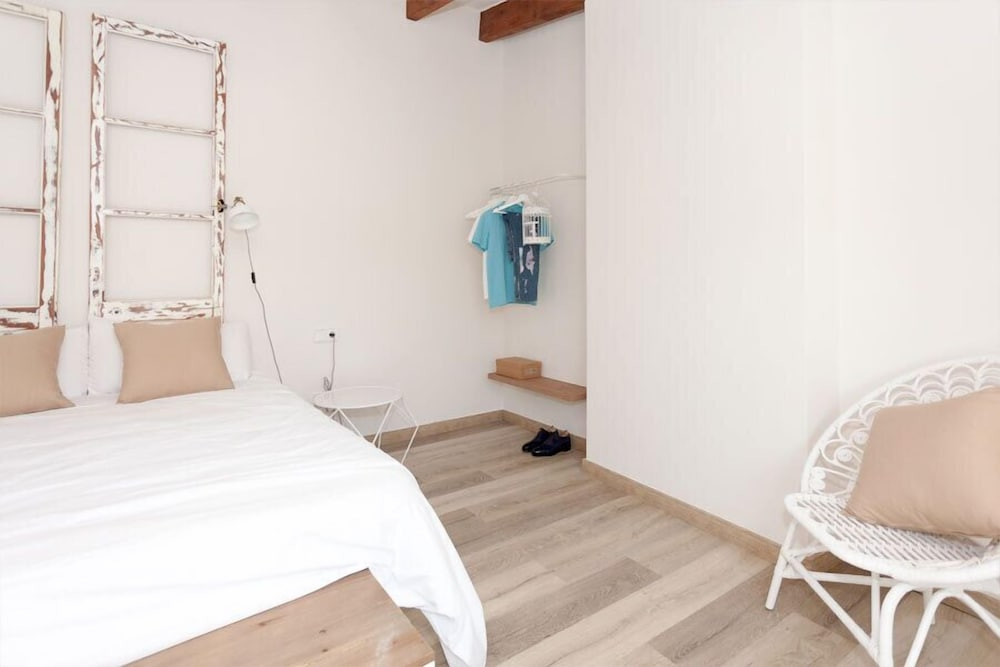 Room, Can Savella Apartments