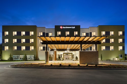 Check Expedia for Availability of Best Western Plus Peppertree Nampa Civic Center Inn
