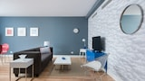 Colorful 1BR in Downtown MTL by Sonder - Montreal Hotels