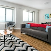 Chic 1BR in Downtown MTL by Sonder