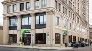 Holiday Inn Express Springfield Downtown, an IHG Hotel