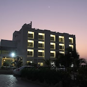 Goverdhan Greens Resort Dwarka