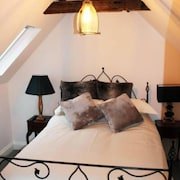 Mrs Salisbury's Serviced Accommodation