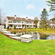 The Ponds at Foxhollow by Capital Vacations