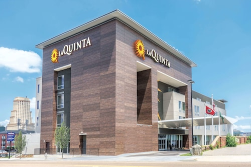 La Quinta Inn & Suites by Wyndham Memphis Downtown