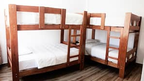 Ropa de cama de alta calidad, edredones de plumas, wifi gratis