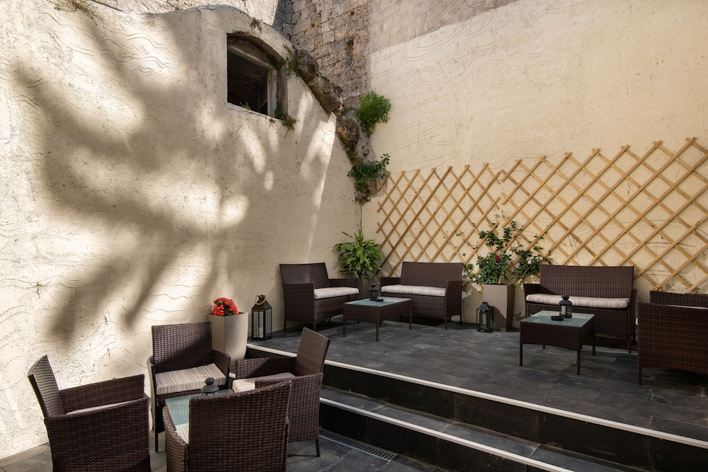 Courtyard, Old Town Senses Boutique Hotel