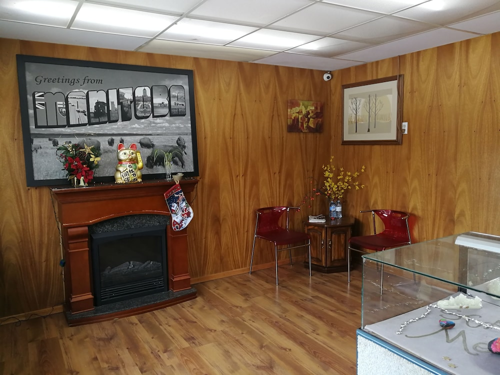 Reception, STAR MOTEL