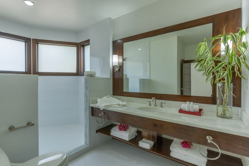 Bathroom, The Ellysian Boutique Hotel