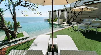 KehadFa 7 Bedroom Beach Front Pool Villa Hua Hin