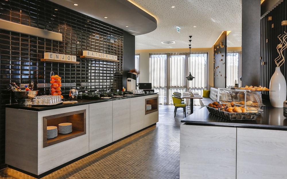 holiday inn villingen schwenningen villingen schwenningen hotelbewertungen 2019. Black Bedroom Furniture Sets. Home Design Ideas