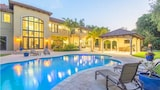 8 Bedroom Homes in Coral Gables by TMG - Coral Gables Hotels