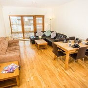 Giant Serviced Apartments Malone Square