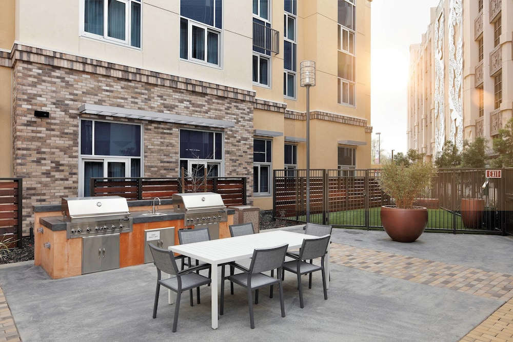 BBQ/Picnic Area, Residence Inn by Marriott San Jose Cupertino