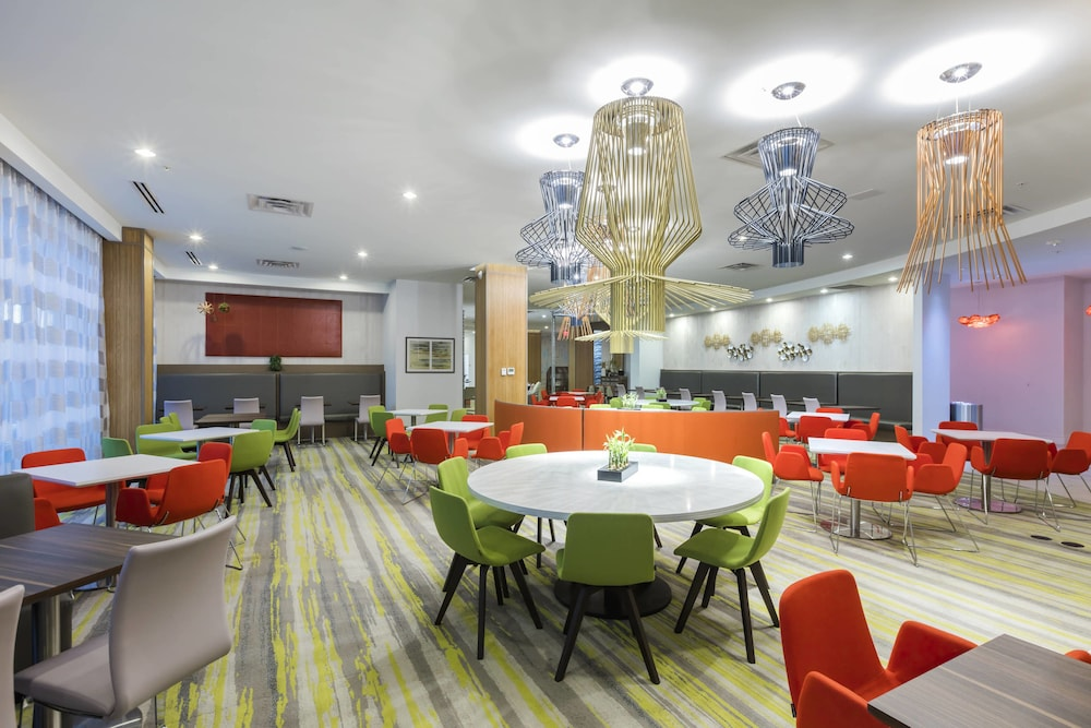 Restaurant, TownePlace Suites by Marriott Orlando at SeaWorld