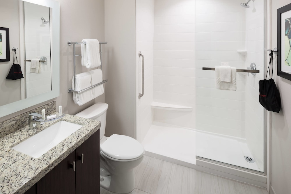 Bathroom, TownePlace Suites by Marriott Orlando at SeaWorld