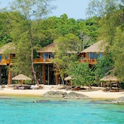 Tree House Bungalows Resort