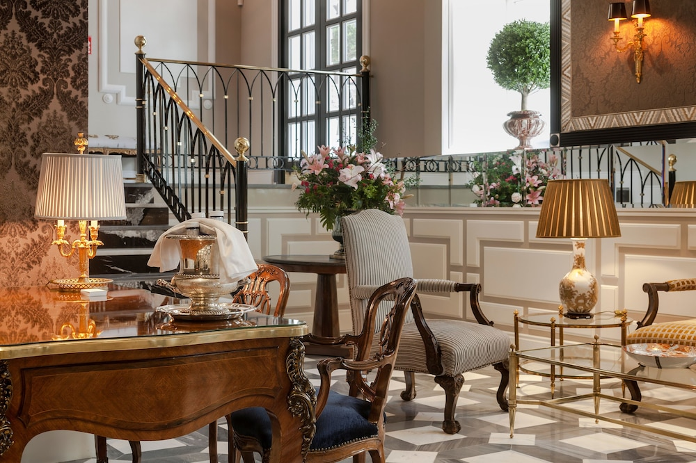 Lobby, Relais & Châteaux Heritage Madrid