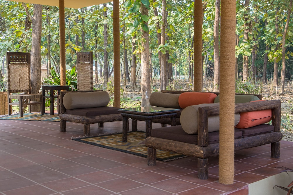 Lobby Sitting Area, Jagatpur Lodge - Chitwan National Park