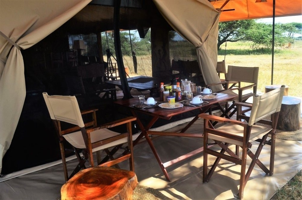 Breakfast Area, Mawe Luxury Tented Camp