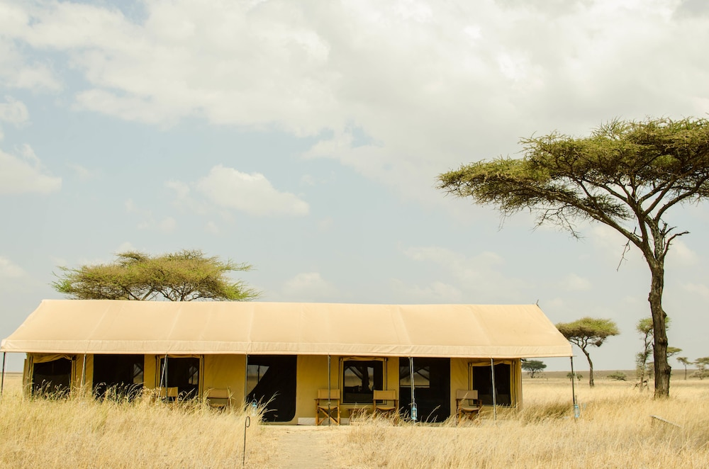 Front of Property, Mawe Luxury Tented Camp