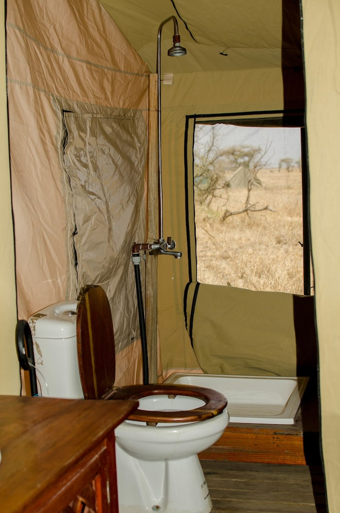 Bathroom, Mawe Luxury Tented Camp