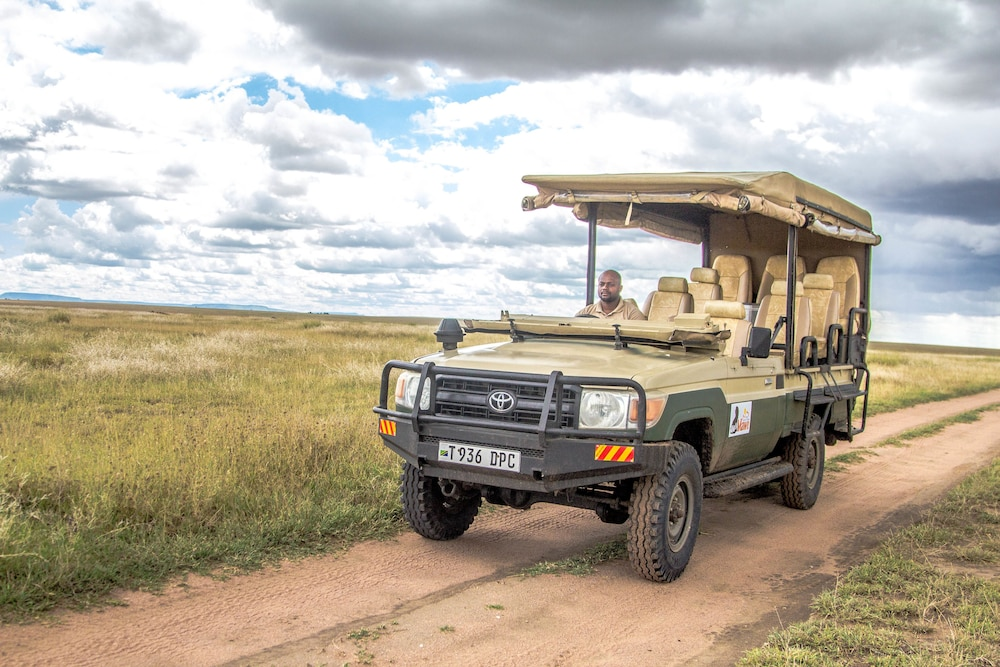 Game Drive, Mawe Luxury Tented Camp