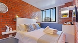 Happy Rhino Apartments - Cape Town Hotels