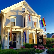 Queen Vic Guest House Provincetown