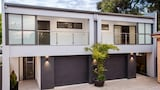 550 David St Townhouse - Albury Hotels