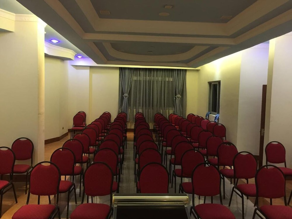 Meeting Facility, Blue Nest Hotel