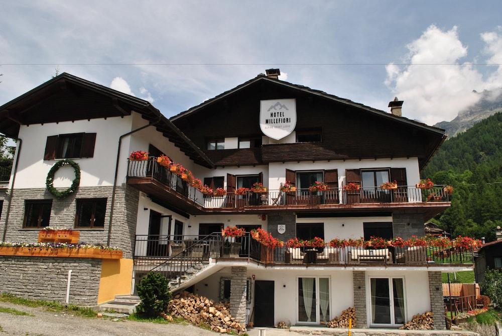 Hotel millefiori valle d 39 aosta italia for Design hotel valle d aosta
