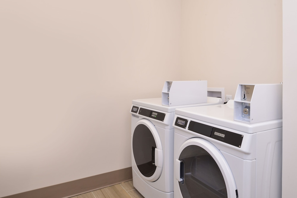 Laundry, Holiday Inn Express Spring Hill
