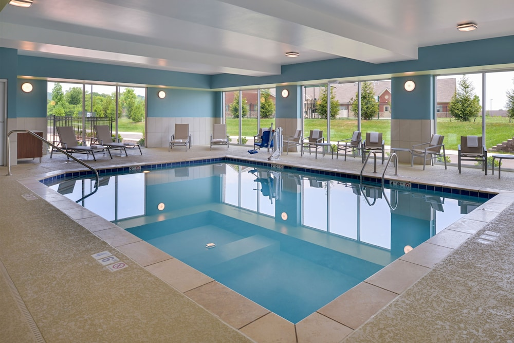 Pool, Holiday Inn Express Spring Hill