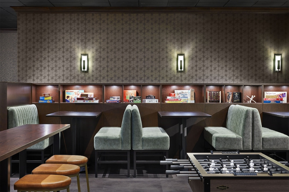 Bar, InterContinental Minneapolis - St. Paul Airport, an IHG Hotel