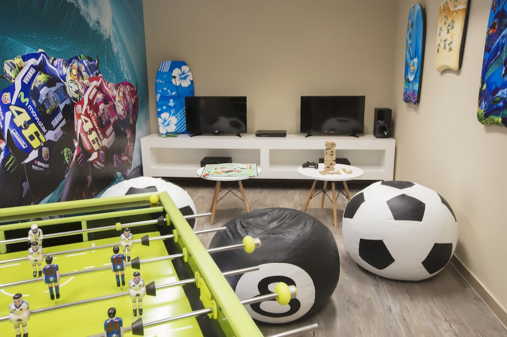 Game Room, Residence by Krystal Grand All Inclusive