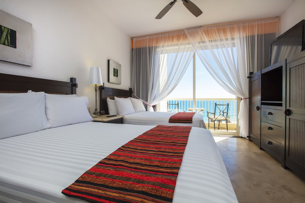 Room, Residence by Krystal Grand All Inclusive