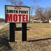 Smith Point Motel
