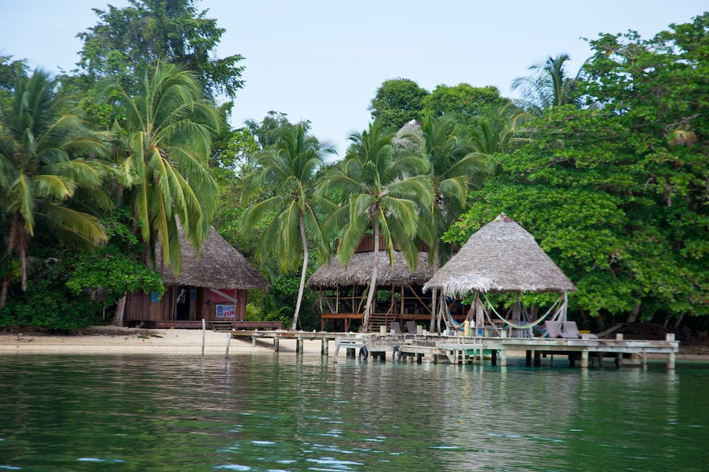Exterior, AL NATURAL RESORT