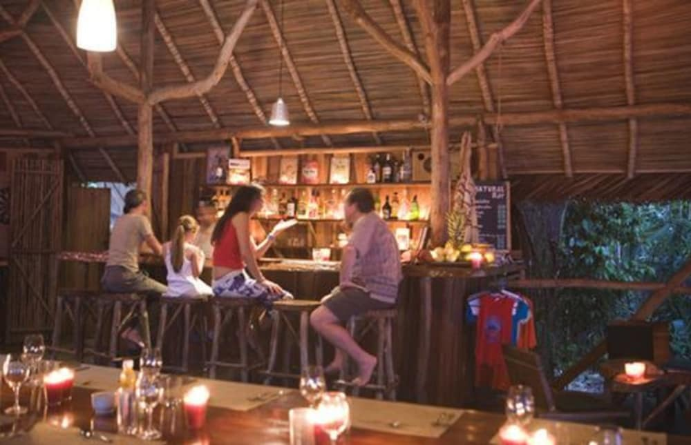 Bar, AL NATURAL RESORT