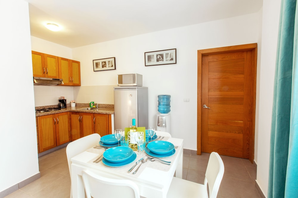 Private Kitchenette, Hotel Tropicana Suites Deluxe Beach Club & Pool