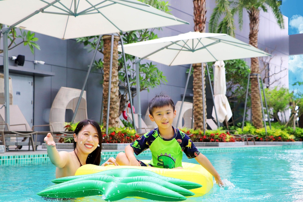 Outdoor Pool, Caesar Park Hotel Banqiao