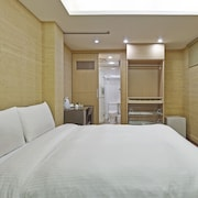 Shih Lin Service Apartment