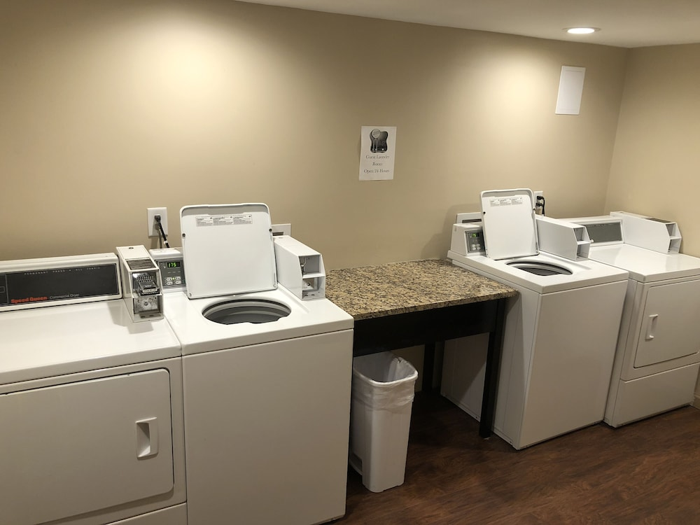Laundry Room, Allen Park Motor Lodge