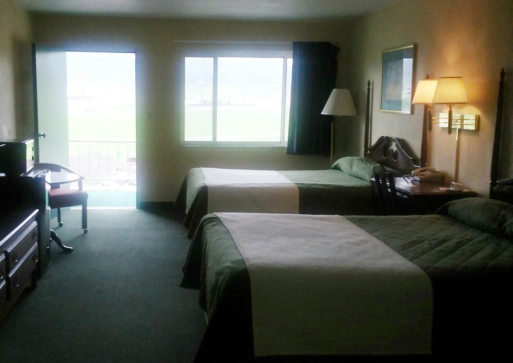 Sutton Lane Motel 2 0 Out Of 5 Parking Featured Image Guestroom