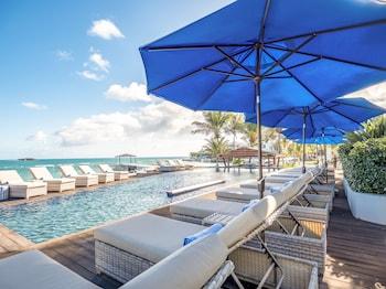Hodges Bay Resort and Spa