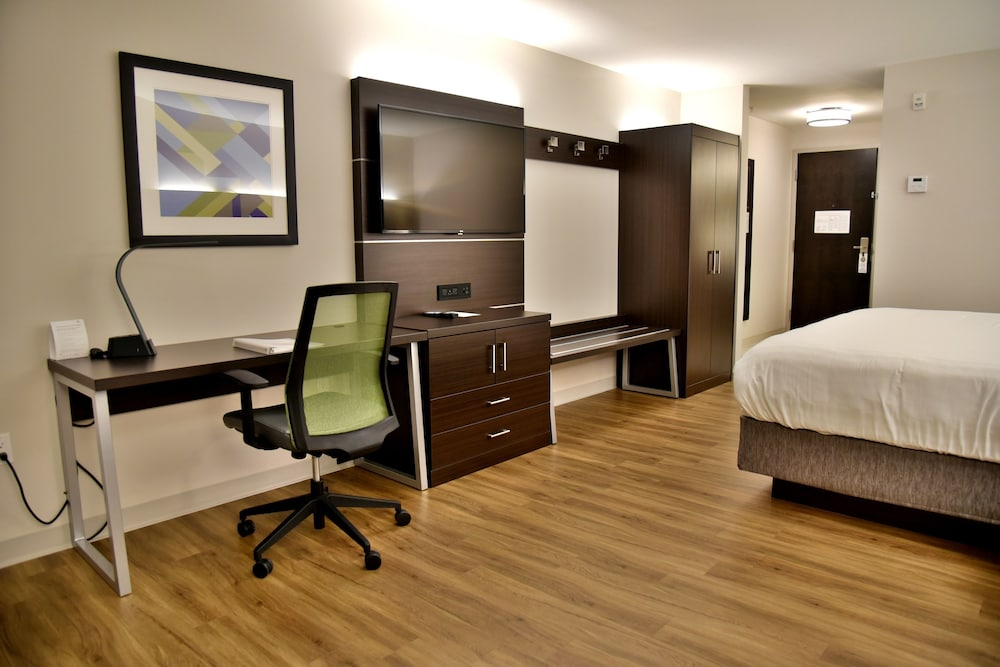 Holiday inn express suites gatineau ottawa pictures