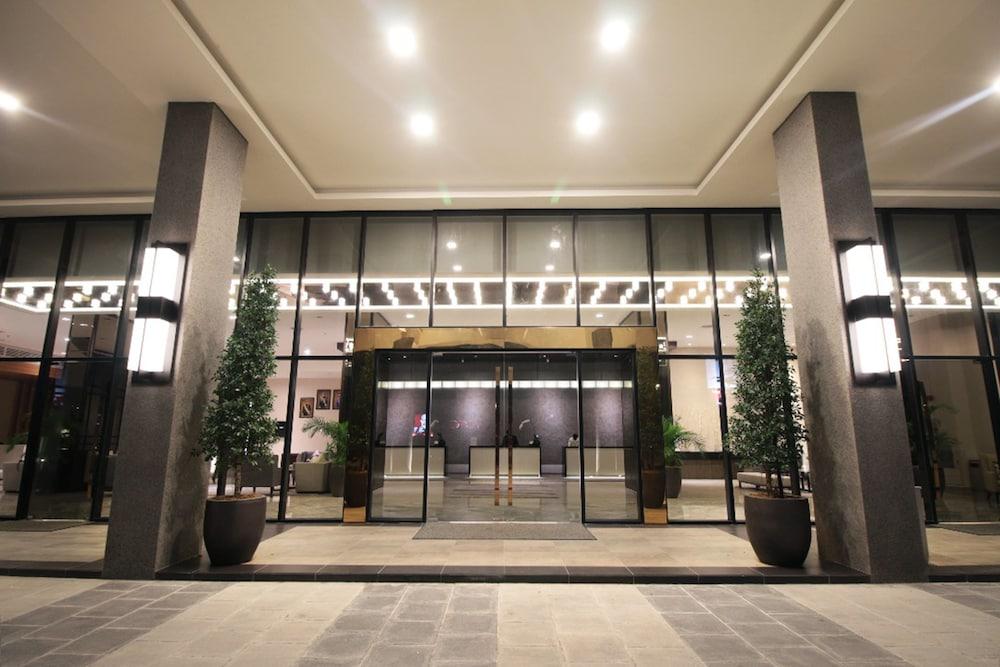 Impiana Hotel Senai: 2019 Room Prices $45, Deals & Reviews